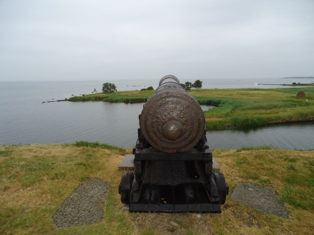 kalmar10 - One of the canons on the stronghold castle banks