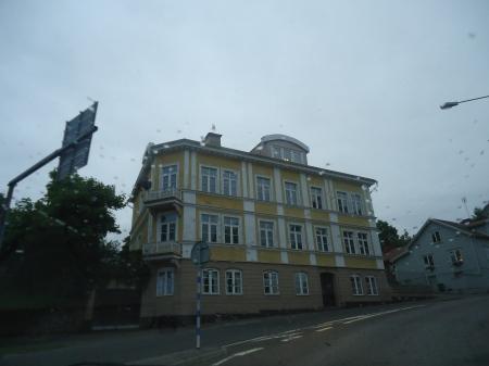 oskarshamn1 - Old building passing by in the rain